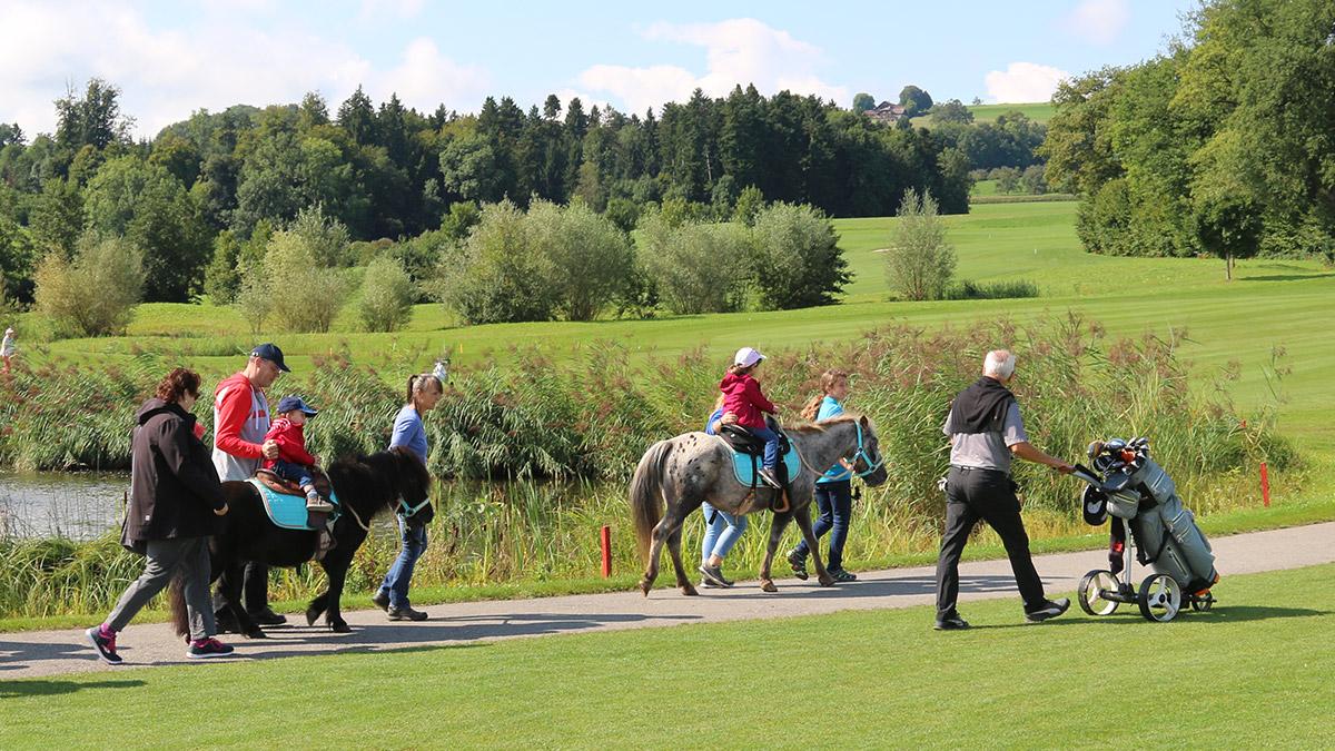 Ponyreiten, Spass für Kinder